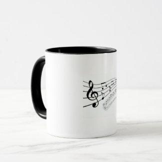 Tasse blanche de notation musicale