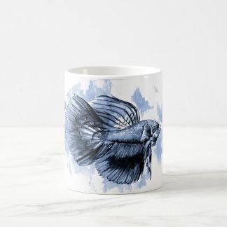 Tasse bleue de poissons de Betta