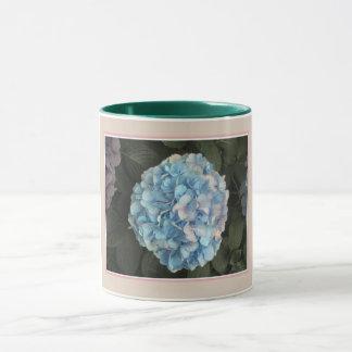 Tasse bleue d'hortensia