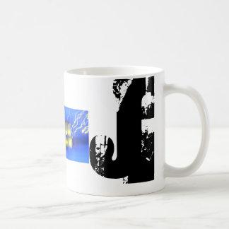 Tasse bleue d'image de monogramme de J