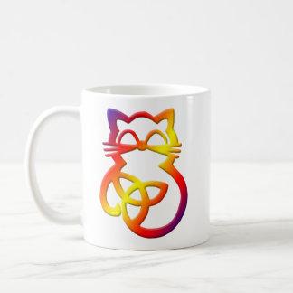 Tasse celtique de chat de noeud de trinité