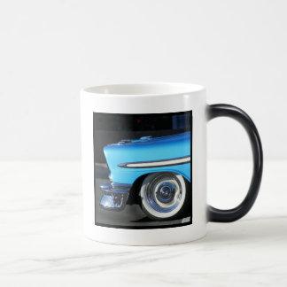 Tasse classique bleue de voiture