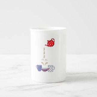 tasse conçue de porcelaine tendre