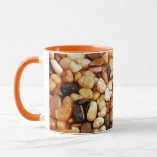 Tasse de café de conception de caillou