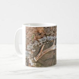 Tasse de café de hangar de cerfs communs