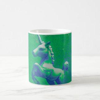 Tasse de café de licorne (rougeoyant verte)