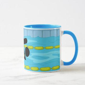 Tasse de café de natation de conception