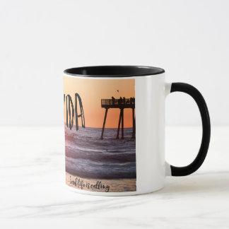 Tasse de café de photo de coucher du soleil de