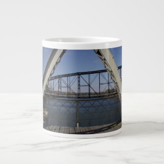 Tasse de café de pont suspendu
