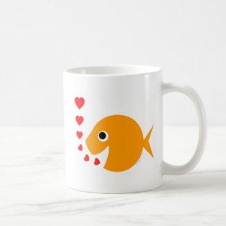 Tasse de café drôle mignonne de poisson rouge de