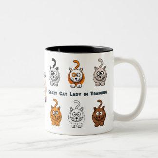 Tasse de café folle de Madame In Training de chat