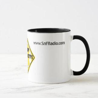 Tasse de café radioactive de camp
