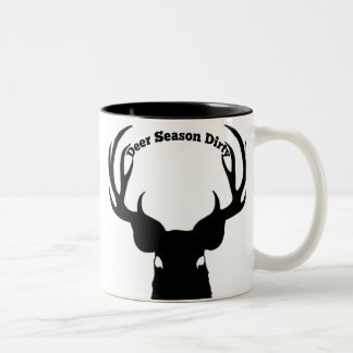 Tasse de café sale de saison de cerfs communs