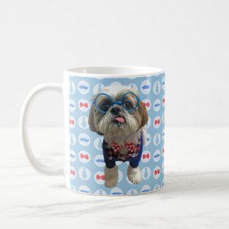 Tasse de chien de Shih Tzu de hippie