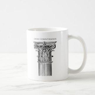 Tasse de colonne d'ordre corinthien