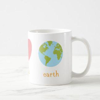 Tasse de la terre d'amour de paix