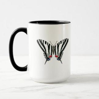 Tasse de papillon de machaon de zèbre