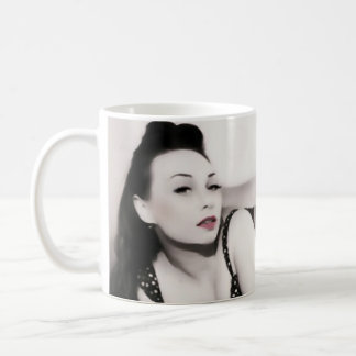 Tasse de pin-up de fille