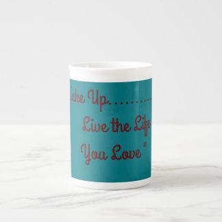 Tasse de porcelaine tendre
