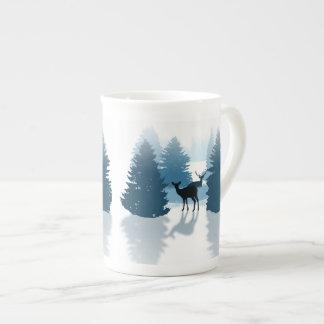 Tasse de porcelaine tendre de forêt de cerfs