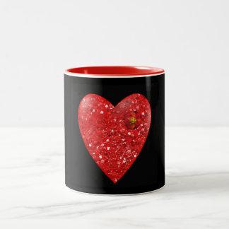 Tasse de Saint-Valentin de coeur de rubis