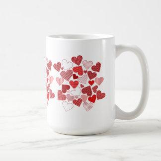 Tasse de Saint-Valentin de coeurs de coeurs de