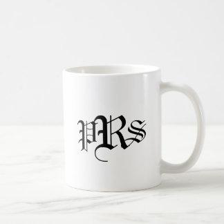 Tasse décorée d'un monogramme