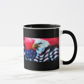 Tasse dégrossie d'Eagle d'Américain double