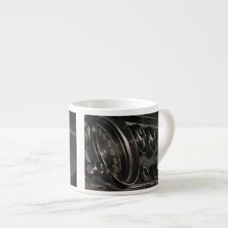 Tasse en gros plan de café express de vieux