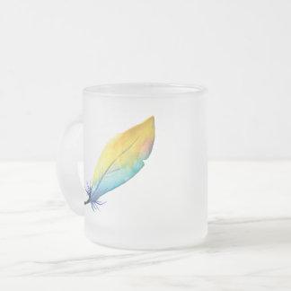 Tasse en verre givré de liberté de plumes