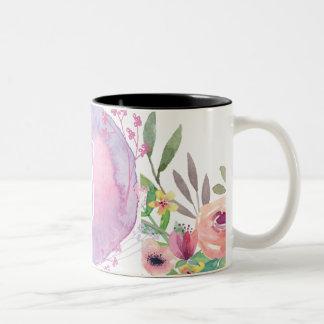 Tasse florale moderne de monogramme