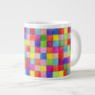Tasse Géante Coloré dans des carrés de papier de graphique