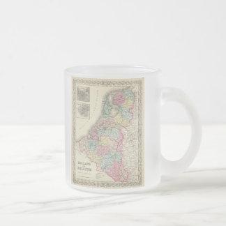 Tasse Givré Carte vintage de la Hollande et de la Belgique