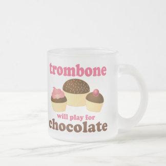 Tasse Givré Le trombone drôle jouera pour le chocolat