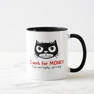 Tasse grincheuse d'argent et de chat de fidélité