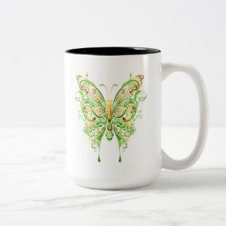 Tasse mystique de papillons