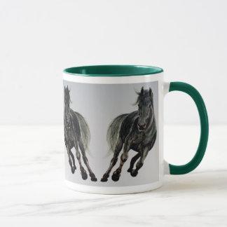 Tasse noire de cheval de Bess