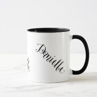 Tasse nommée de Danielle en noir et blanc