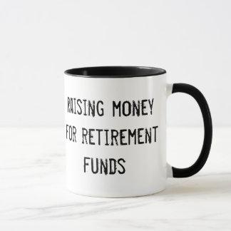 Tasse : Réunion de l'argent pour des fonds de