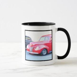 Tasse rouge classique de voiture