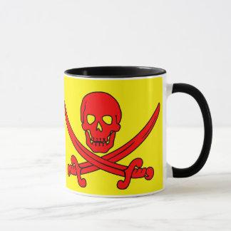 Tasse rouge de crâne et de pirate d'épées