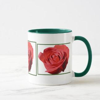 Tasse solitaire de fin de rose rouge