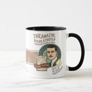 Tasse stupéfiante de Nyarlathotep