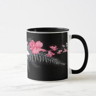 Tasse tropicale de fleur