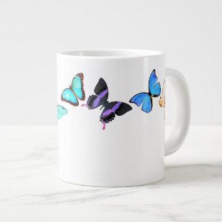 Tasse vintage d'insectes de faune de papillons de