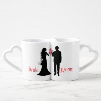 Tasses customisées d'amants de jeunes mariés de