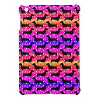 Teckels de polka d'arc-en-ciel étui iPad mini