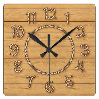 Temps occidental de corde horloge carrée