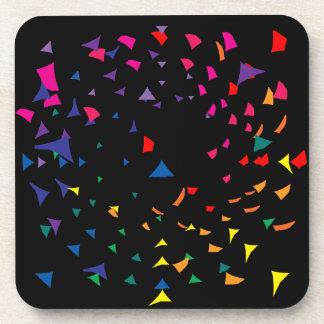 Tessons de couleur d'arc-en-ciel dans le chaos sous-bock