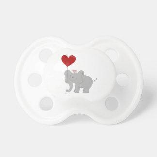 Tétine Éléphant tenant le ballon en forme de coeur